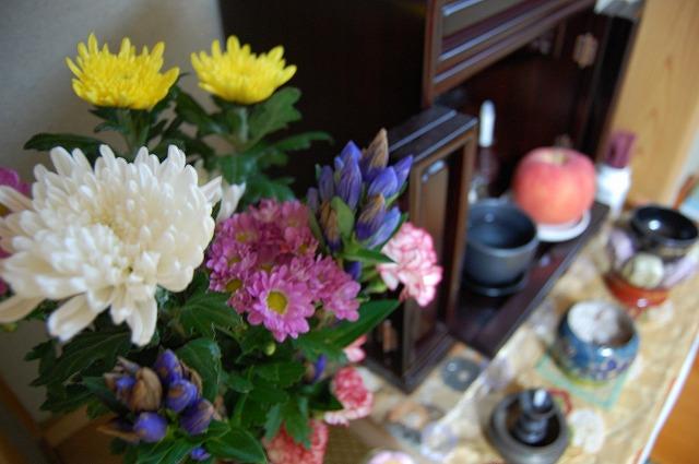 仏花に造花をお供えするのはNG?